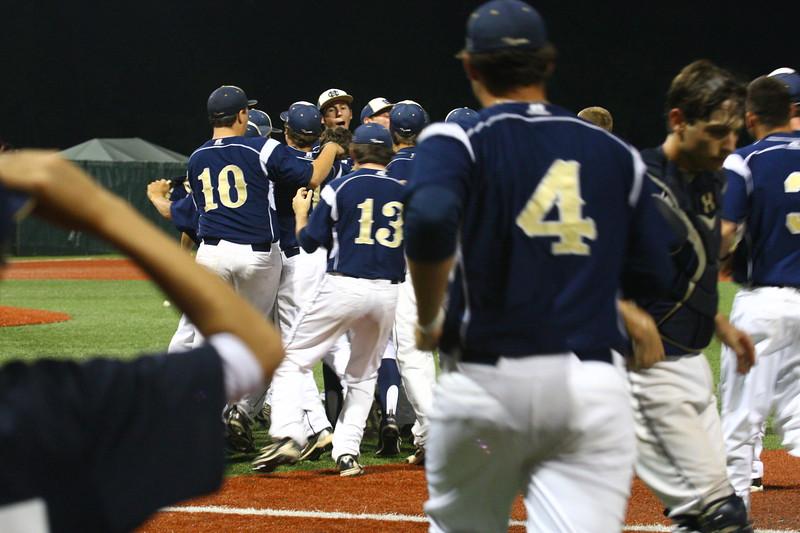\\hcadmin\d$\Faculty\Home\slyons\HC Photo Folders\HC Baseball_State Playoffs_2012\20120513_183.JPG