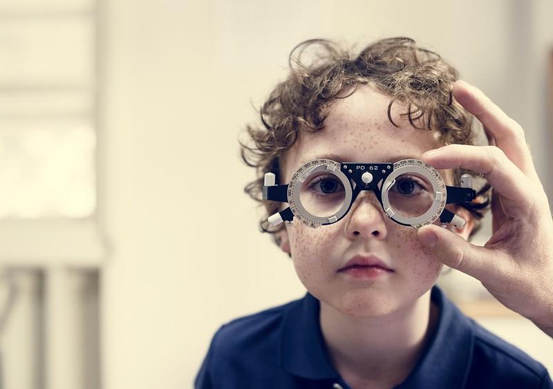 little-boy-getting-his-eyes-checked-PTZ3YDW.jpg