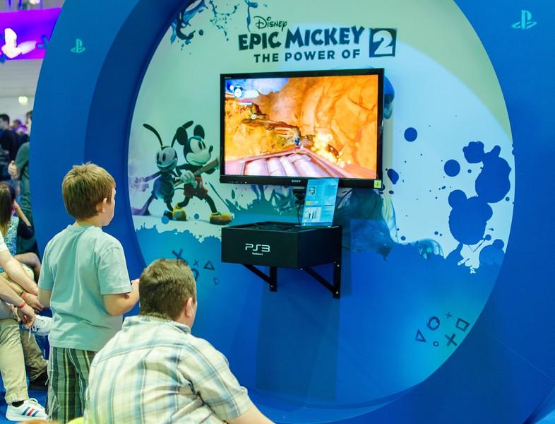 Boy and Epic Mickey @ Gamescom 2012