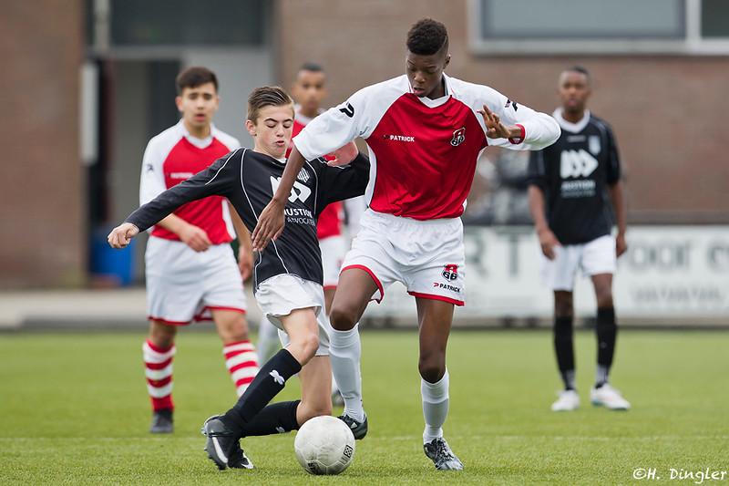 24-10-2015: Voetbal: CKC B1-Alexandria '66 B2: Rotterdam