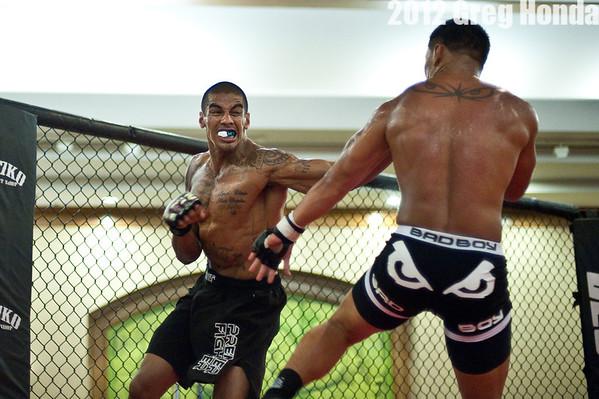 Alex Pulotu Steverson vs Kevin Aguigui