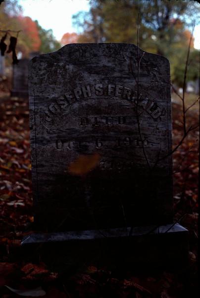 1978 09 gravestones 2.jpg
