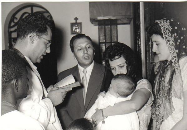 Baptizado do Quim Paulo Gameiro Padre Casimiro, casal Franklin Loureiro e a mãe do Quim Paulo: Almerinda Gameiro