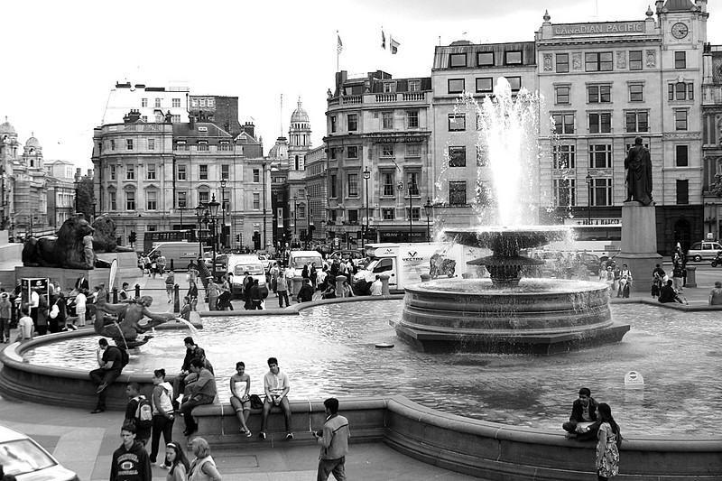 00_London_Trafalgar_Square_bw1.jpg