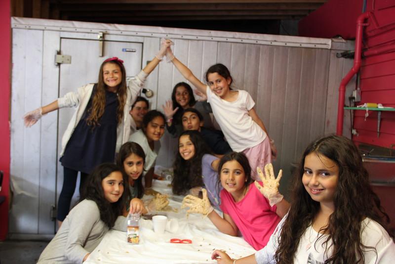 kars4kids_thezone_camp_girlsDivsion_activities_baking (96).JPG