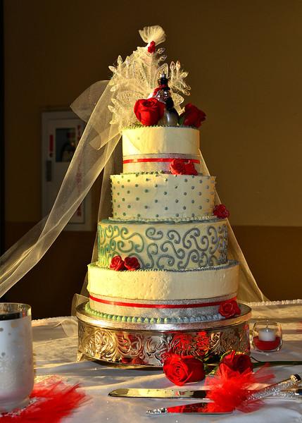 NEA_6155-5x7-Cake.jpg
