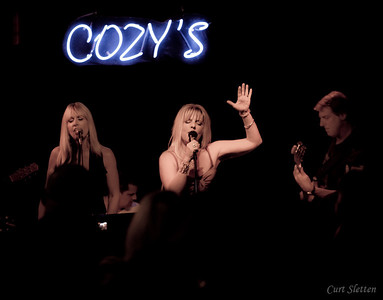 Jen Staves Final Show at Cozy's