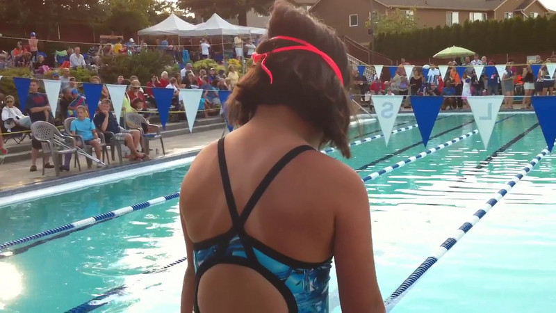 "Zoe swims the 25yd ""Speedy Sixers"" freestyle heat."