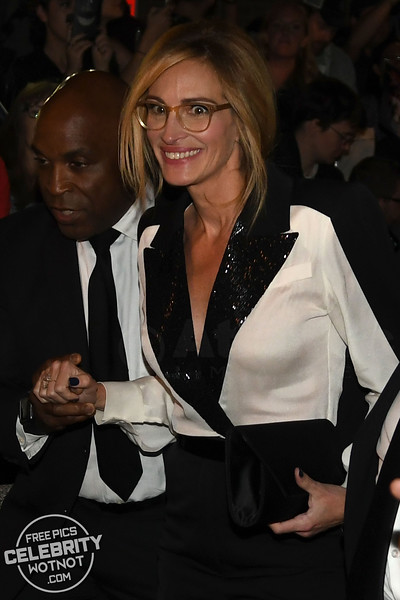Julia Roberts Wears Shoulder-Padded 1980's Caped Outfit and Flashes Bra In Canada!