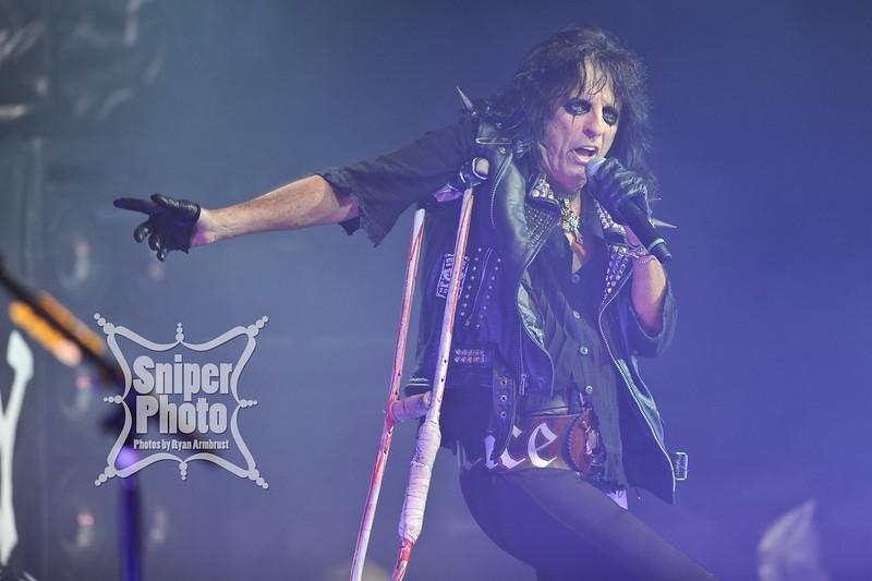 Alice Cooper - Sniper Photo-8.jpg