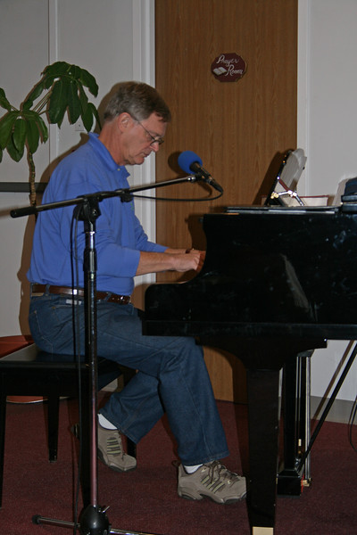 Sam Sanders at CommunityBaptist Church, Charlottetown, Prince Edward Island, Tuesday, 23 September 2008