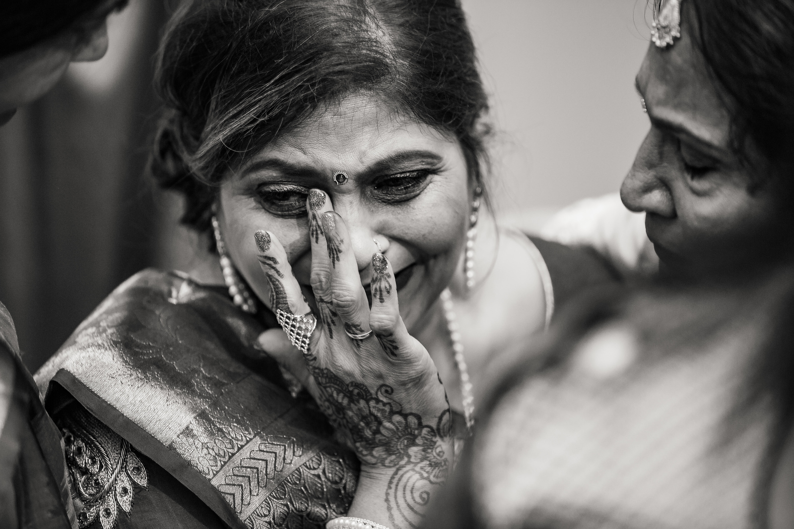 Emotional moment at Hindu wedding