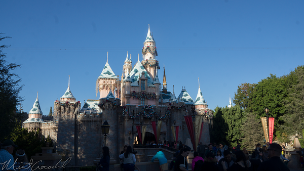 Disneyland Resort, Disneyland, Christmas, Holiday, Holidays, Christmas Time, Sleeping Beauty Castle, Sleeping, Beauty, Castle, Snow