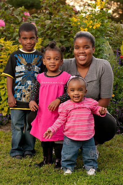 20110925-Peaches Family-6187.jpg