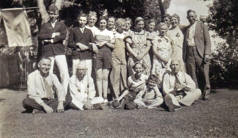 Reunion at Watertown SD 1937 A.jpg
