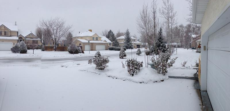 8:00 AM - Snow starts