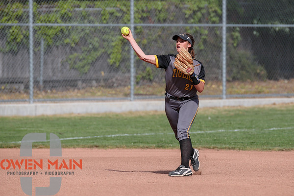 SLOHS vs. Mission Prep Softball 04102018