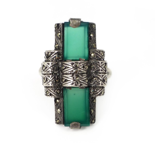 Vintage Art Deco Style Silver Chrysoprase Marcasite Cocktail Ring