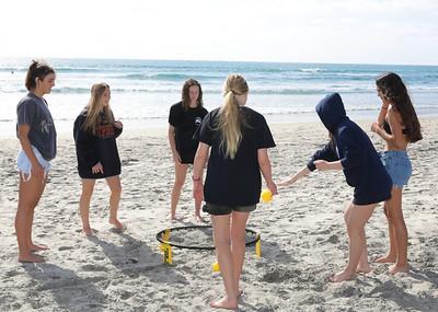 full res team bonding at the beach