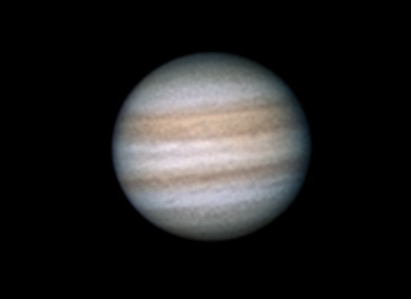 Jupiter 2.8.2012 cca. 4:05 SELČ - Skywatcher 130/650, okulár SW UWA 4mm, Kodak Z1085IS afokálně