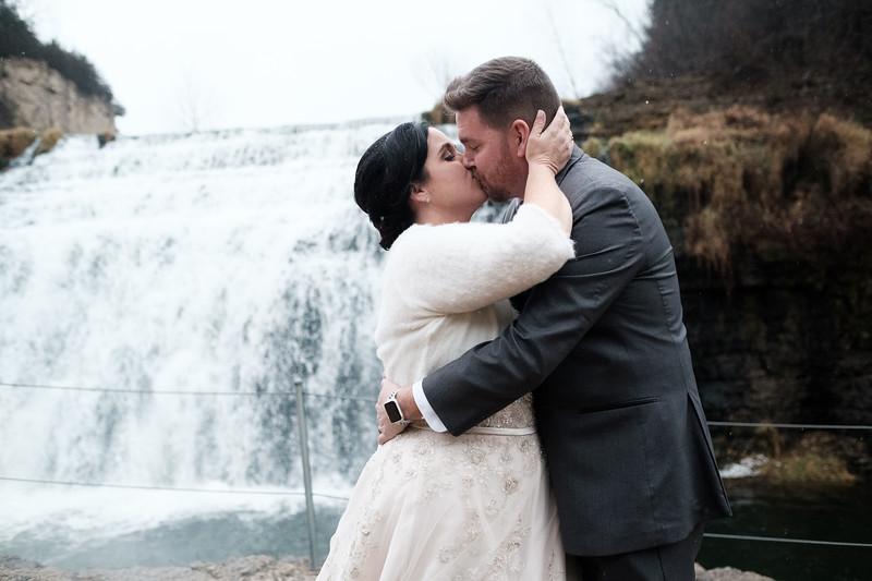 Tracy & Brandon's snowy Eagle Ridge wedding
