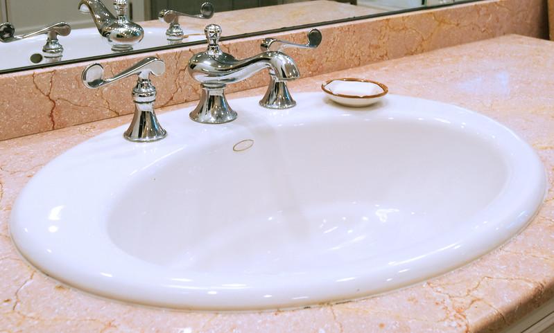 bathroom001_5.jpg