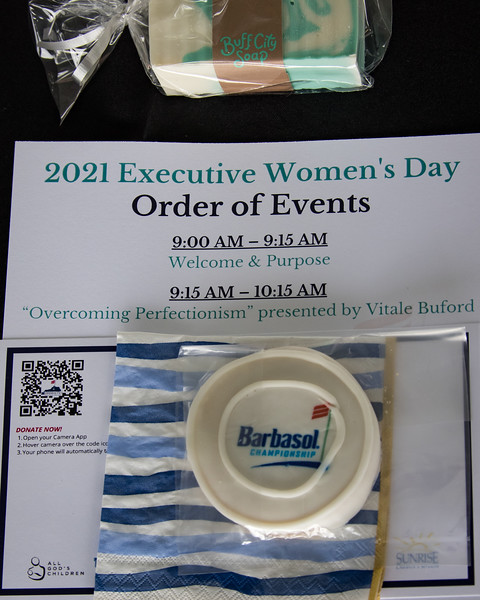 21_0713_Executive Women's Day_ww-8955.jpg