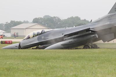 Oshkosh 2011 F-16 Incident