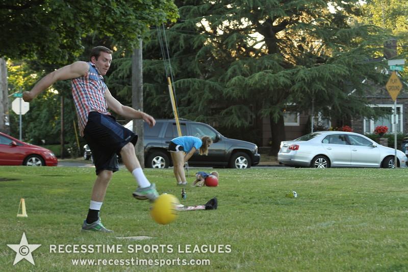 Recesstime_Portland_Kickball_20120724_4111.JPG