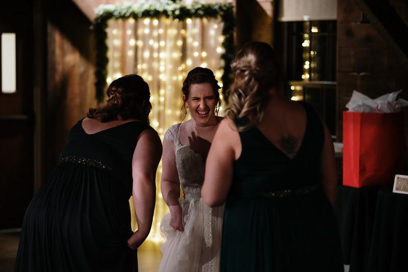 rustic_ohio__fall_barn_wedding-435.jpg