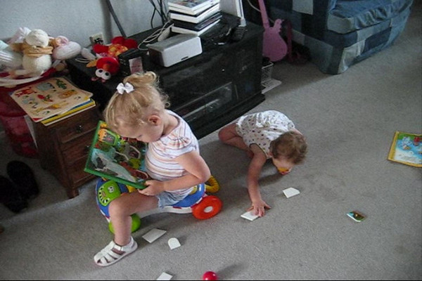 Ellen and Emily Playing With Puzzles.wmv
