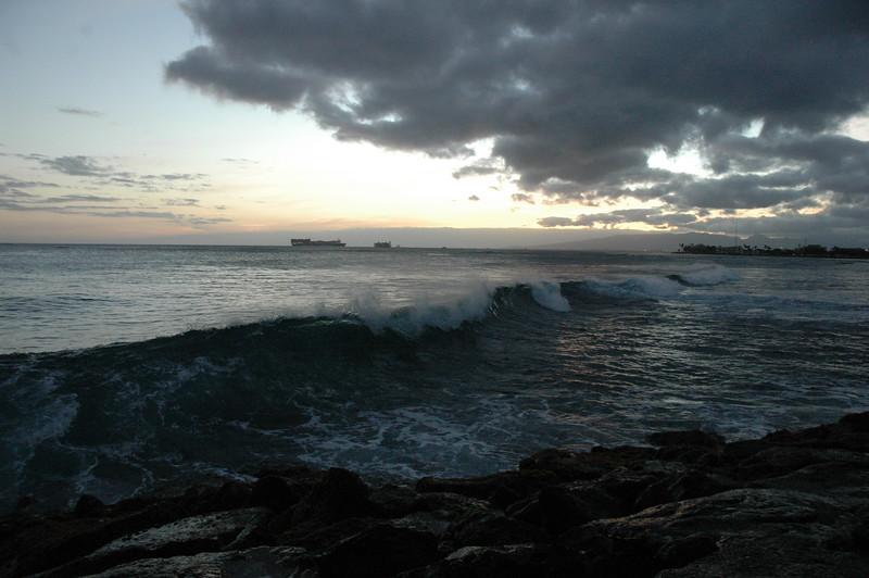 Hawaii - Ala Moana Beach Sunset-143.JPG
