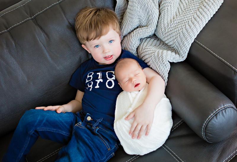 newport_babies_photography_newborn_boy_at_home-0007-1.jpg