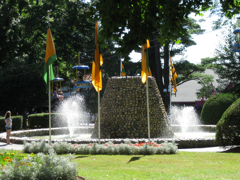 The Electric Fountain.