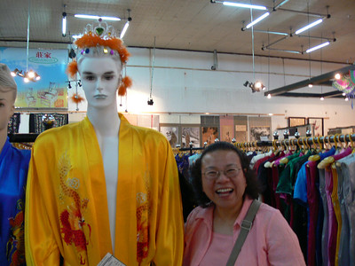 Beijing Friendship Store - Pictures with People