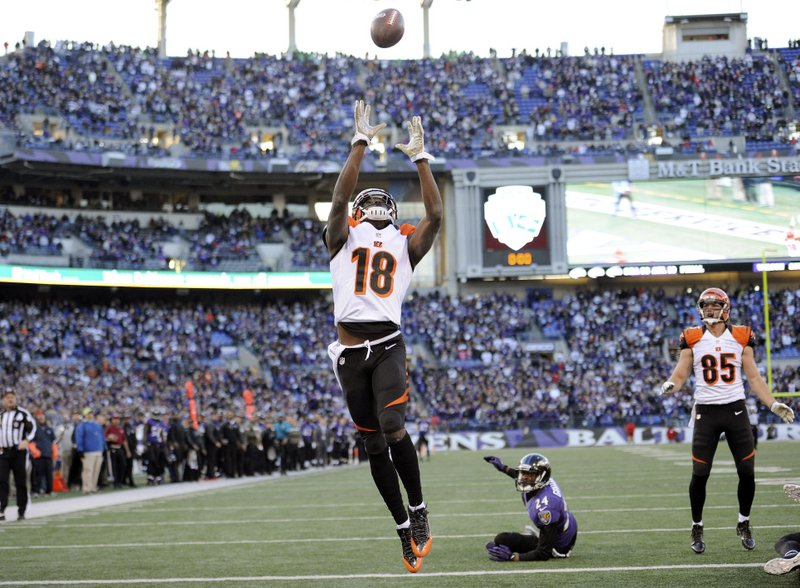 . <p><b> Browns at Bengals (-6):</b> The Bengals pulled off a miracle on Sunday by completing a game-tying Hail Mary pass. The keys were Andy Dalton�s strong throw, A.J. Green�s leaping catch ... and Baltimore safety James Ihedigbo betting on the Bengals. Pick: <b>Bengals by 4</b> <p>   (AP Photo/Nick Wass)
