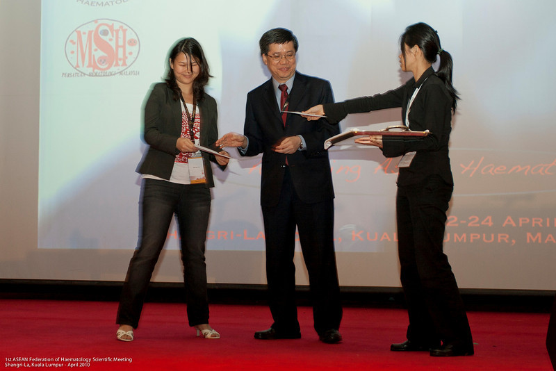 2nd runner-up, Lab category - Ms Tan Yuen Fen