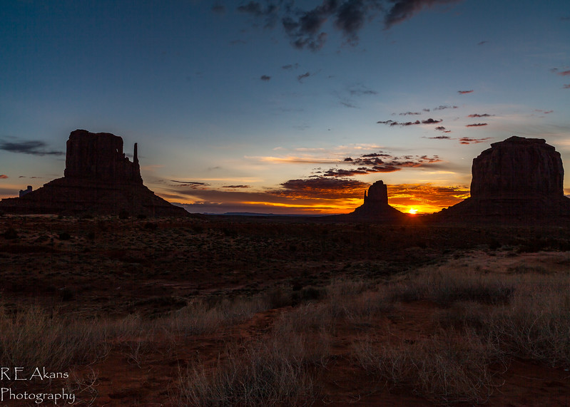Monument Valley Sunrise 5471.jpg