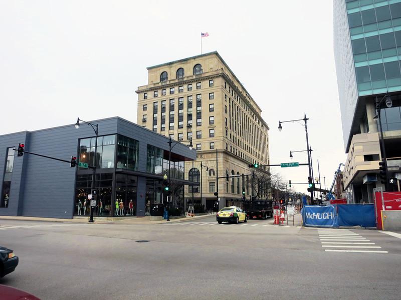 1-Hyde Park bank, E 53rd St, Hyde Park, at Lake Park Av
