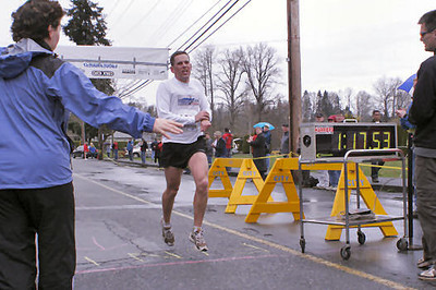 2005 Comox Valley Half Marathon - ComoxHalf2005-Al-Livsey-035.jpg