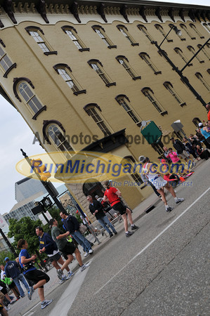 25K Finishers at 15 Miles - 2012 Fifth Third River Bank Run