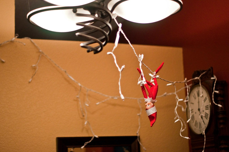 ellken-elfOnAShelf-20121209-Day7.jpg