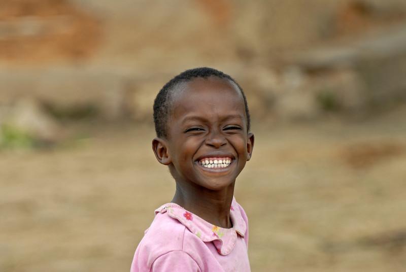 070104 3525 Burundi - Bujumbura - Peace Village _L ~E ~L.JPG