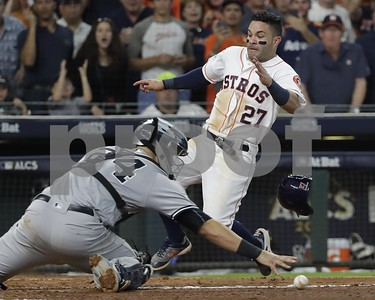 altuves-dash-lifts-verlander-astros-over-yanks-in-game-2-of-alcs