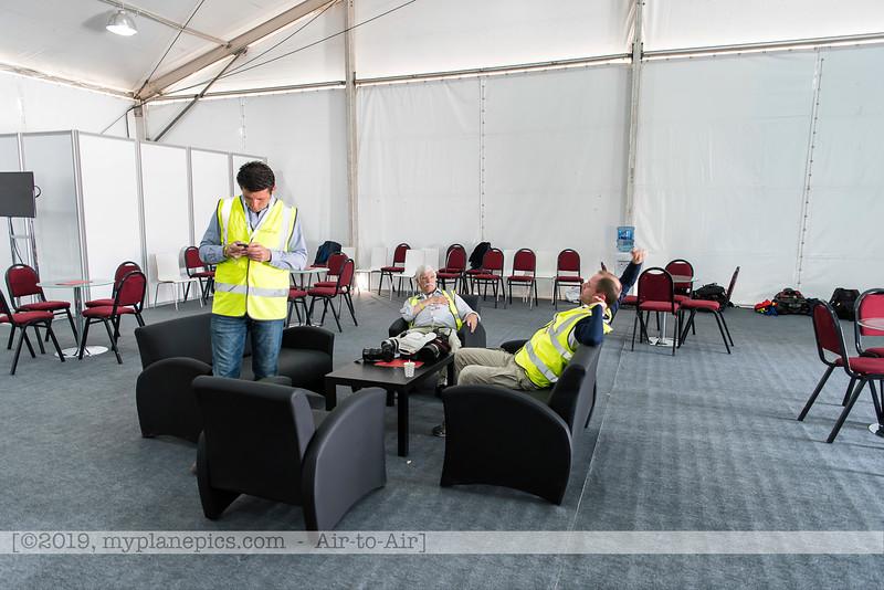 F20180425a095004_4951-Onur,John Stiles,Gilles Denis-crew tent.JPG