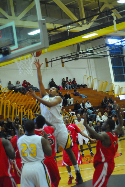 20090301_MCC Basketball_5696.JPG