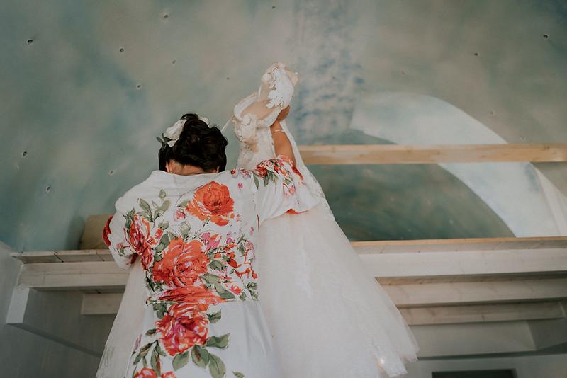 Tu-Nguyen-Destination-Wedding-Photographer-Santorini-Rocabella-Hotel-Euna-Ehsan-160.jpg