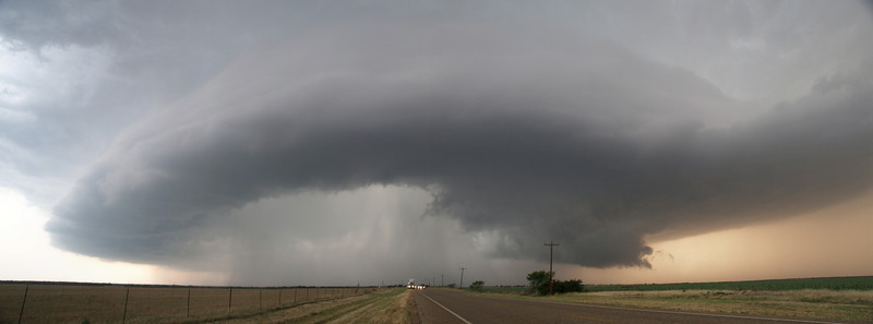 Classic supercell showing evident rotation, Texas, USA