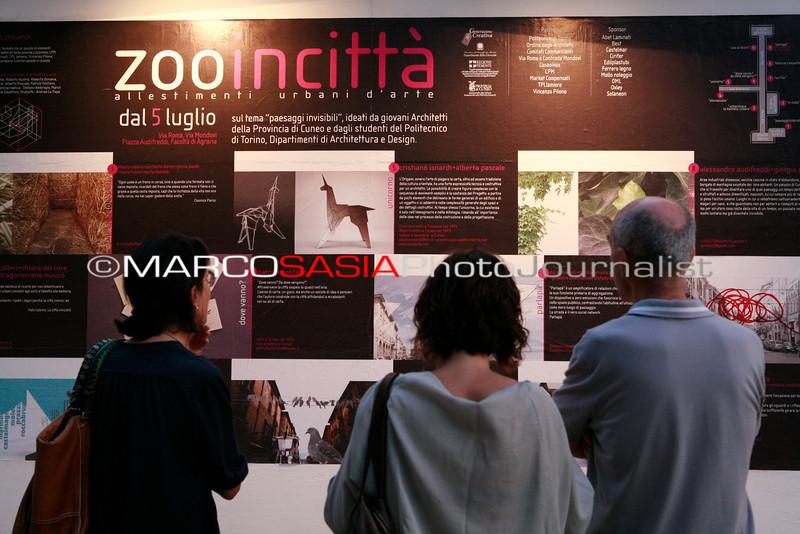 0049-ZooArt-03-2012.jpg