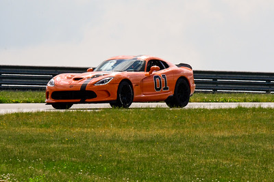 2020 SCCA TNiA June Pitt Race Interm Orange Viper